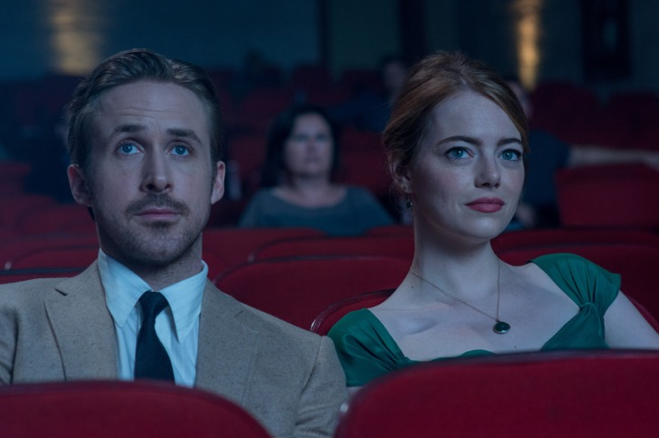 Ryan gosling emma stone at a cinema la la land